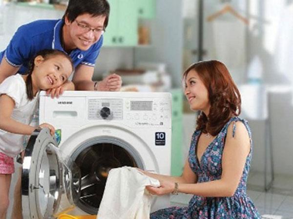 Để chiếc máy giặt nhanh chóng hoạt động trở lại cần tìm đến Trung tâm sửa chữa máy giặt Daewoo uy tín.