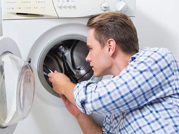 Có nhiều nguyên nhân khiến máy giặt hanel bị hỏng và bạn cần tìm đến thợ sửa chuyên nghiệp.