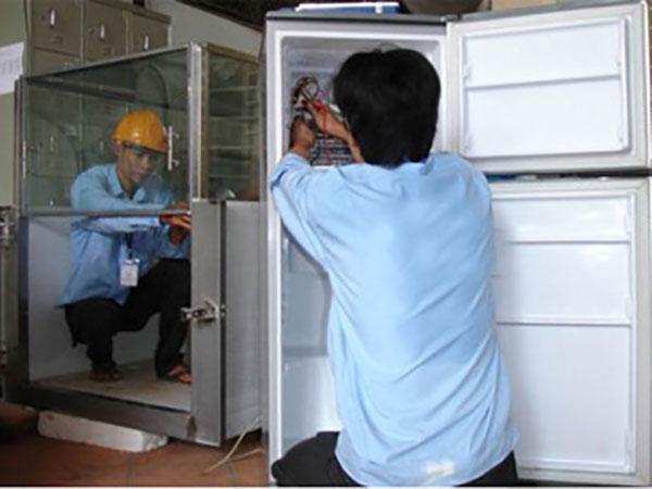 Dịch vụ sơn sửa tủ lạnh tại trung tâm điện lạnh Đức Hưng