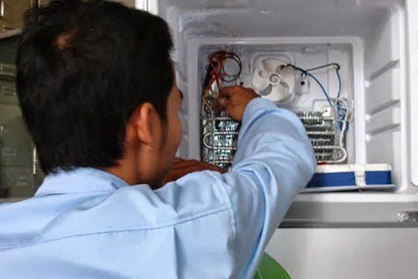 Dịch vụ sửa chữa tủ lạnh tại nhà của trung tâm Đức Hưng