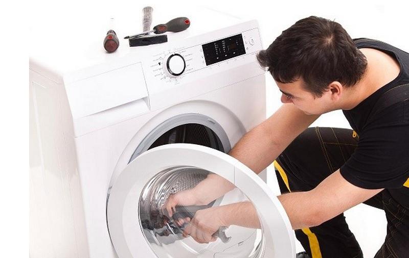 Hãy liên hệ dịch vụ sửa chữa máy giặt khi gặp các sự cố liên quan tới kỹ thuật
