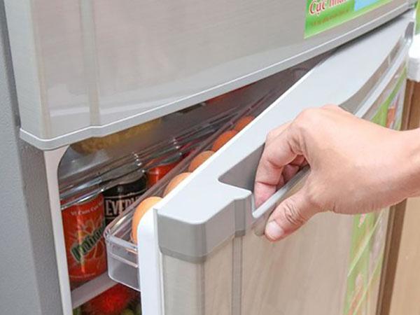 Trong quá trình sử dụng tủ lạnh Sharp cũng hay bị hỏng hóc mà quý khách không tự sửa chữa được