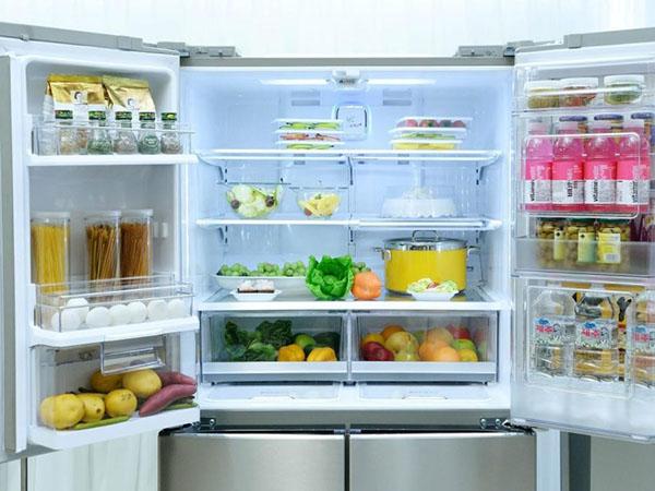 Việc tủ lạnh không lạnh có thể là do tủ không được đóng chặt.