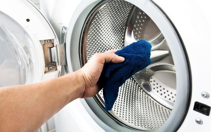 Nên vệ sinh máy giặt thường xuyên