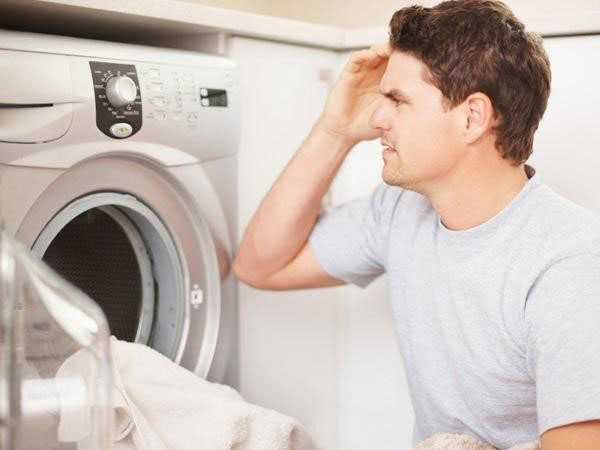 Máy giặt bị rung mạnh và tạo ra tiếng ồn