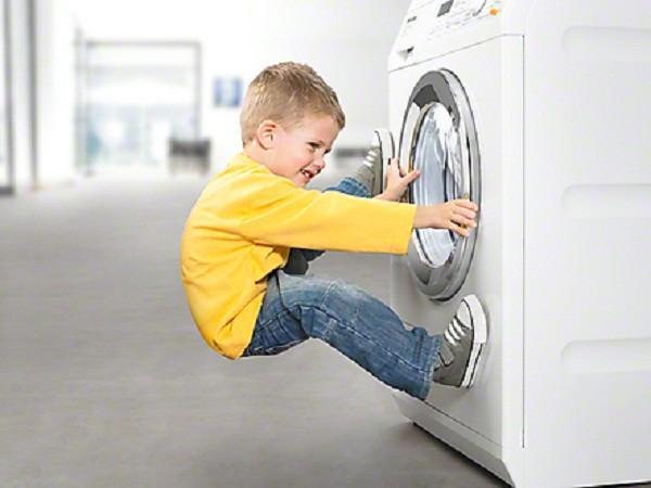 Cách khắc phục máy giặt Midea không mở được cửa