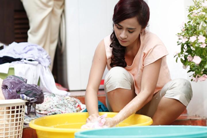 Công việc giặt giũ khi không có máy giặt