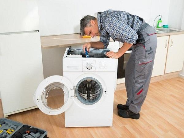 Cách khắc phục sự cố máy giặt xả nước liên tục