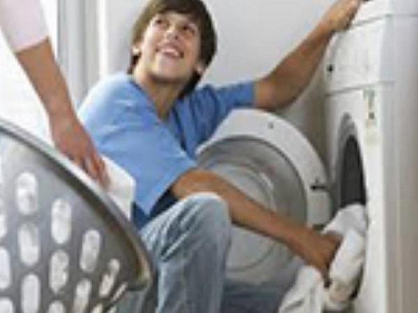 Cách ngâm nước xả khi giặt bằng máy