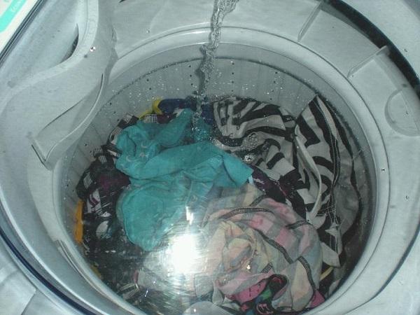 Nguyên nhân của sự cố máy giặt xả nước không ngừng