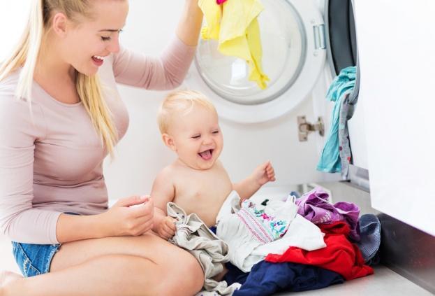 Giặt quần áo mới trước khi mặc cho trẻ
