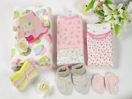 Một số dụng cụ chuẩn bị cho trẻ sơ sinh