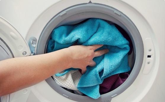 Ngâm quần áo trong máy giặt đúng cách
