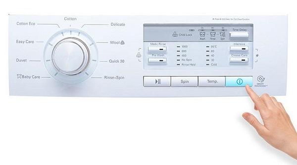 Chế độ vắt ở máy giặt tốn khá nhiều điện năng trong gia đình