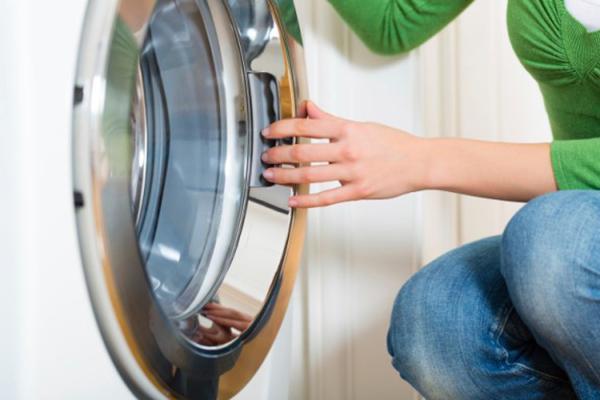 Tại sao phải vệ sinh máy giặt và dịch vụ vệ sinh máy giặt giá bao nhiêu?