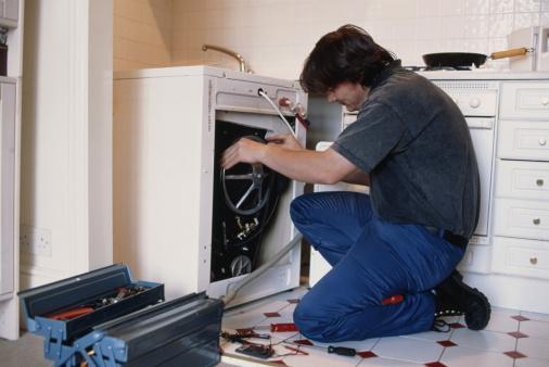 Nên thường xuyên vệ sinh máy giặt để sử dụng máy lâu hơn